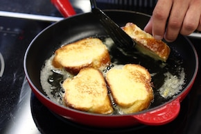 Tosty francuskie z jajkami i cynamonem – krok 3