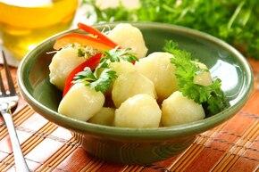 Tradycyjne pyzy z tartych ziemniaków