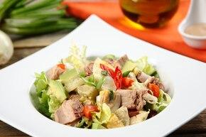 Tunacado salad – sałatka z tuńczykiem i awokado
