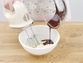 Wielkanocne kremowo-czekoladowe babeczki – krok 5