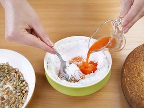 Bezglutenowe ciasto z marchewką – krok 5