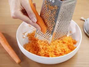 Bezglutenowe ciasto z marchewką – krok 1