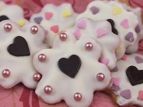 Walentynkowe ciasteczka z białą czekoladą