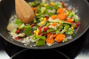 Warzywa z patelni – krok 2