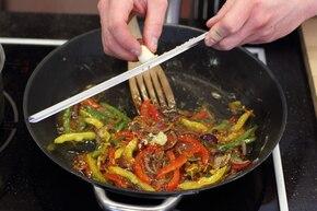 Warzywa z woka  – krok 4