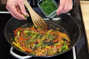 Warzywa z woka  – krok 5