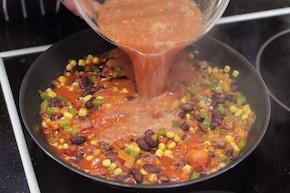 Warzywne chilli z fetą    – krok 4