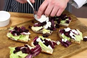 Kanapka wegetariańska  z pieczonym burakiem – krok 3