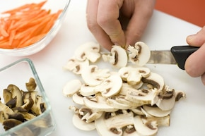 Wegetariański ryż z grzybami  – krok 2