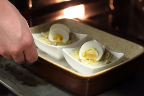 Wielkanocne jajka zapiekane z szynką  – krok 5