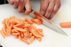 Wieprzowa polędwiczka w orzechowym sosie – krok 2