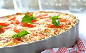 Włoska tarta z pomidorami i mozzarellą