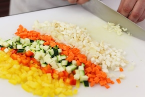 Włoska zupa minestrone     – krok 2