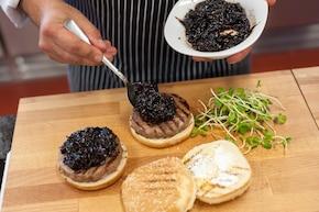 Wołowe burgery z kozim serem – krok 6