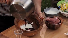 Wołowina w marynacie jogurtowej - VIDEO – krok 2