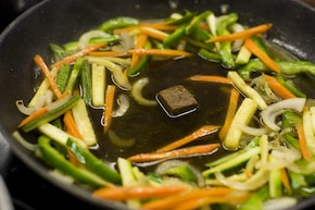 Wołowina z imbirem i warzywami – krok 5