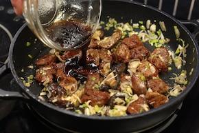 Wołowina z patelni z grzybami shitake – krok 6