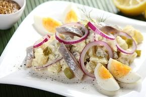 Sałatka śledziowa z jajkiem i majonezem