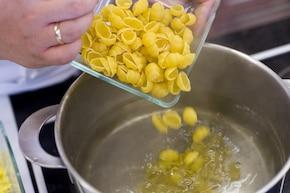 Zapiekanka z pieczarkami – krok 1