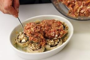 Zapiekanka z ziemniaków, mięsa i pieczarek – krok 4
