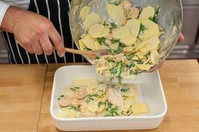 Zapiekanka ziemniaczana z kurczakiem i szpinakiem – krok 4