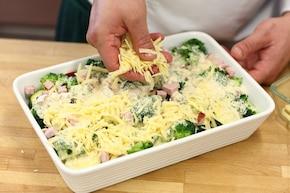 Zapiekanka makaronowa z szynką i warzywami  – krok 5