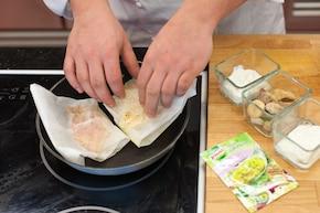 Zielona sałata z kozim serem i soczystym kurczakiem  – krok 2