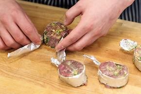 Ziołowe steki wołowe z cytrynową nutą – krok 3