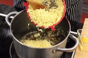 Zrazy z indyka z kaszą jaglaną, grzybami i tymiankiem – krok 2