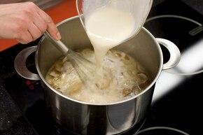 Zupa borowikowa – krok 3