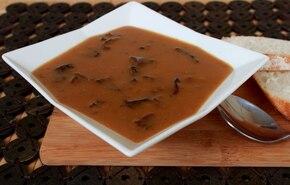 Zupa borowikowa z suszonymi grzybami