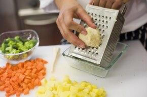 Zupa brokułowa z serkiem – krok 1