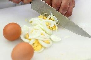 Zupa chrzanowa z jajkiem – krok 4