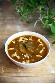 Zupa dyniowa z karczochami i orzechami
