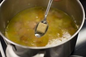 Zupa fasolowa na kiełbasie  – krok 2