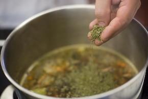Zupa fasolowa na kiełbasie – krok 4