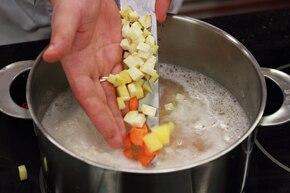 Zupa grochowa wigilijna – krok 3