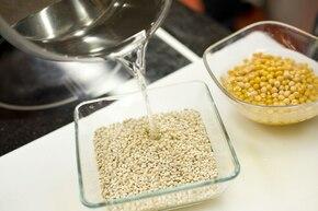 Zupa grochowa z pęczakiem – krok 1