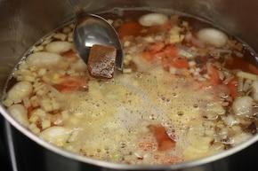 Zupa grzybowa z kaszą – krok 2