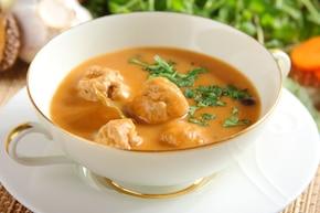 Zupa grzybowa z mięsnymi kulkami