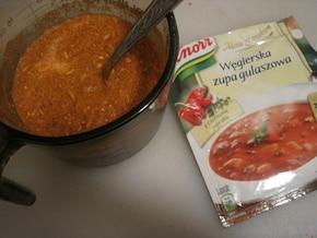 Zupa gulaszowa z mięsem kurczaka – krok 2