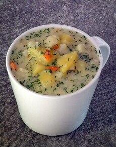 Zupa kalafiorowo ziemniaczana z kaszą manną