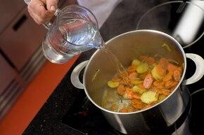 Zupa krem z marchewki – krok 1