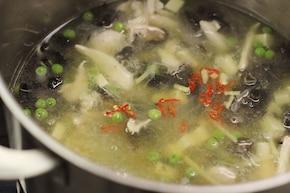 Zupa kwaśno-pikantna – krok 3