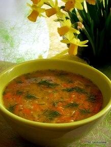 Zupa marchewkowo czosnkowa z kaszą