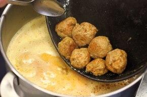 Zupa paprykowa z pulpetami  – krok 4