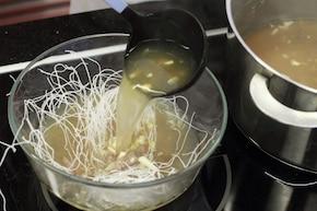 Zupa Pho z wołowiną  – krok 5