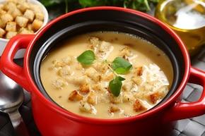 Zupa serowa na żółtkach