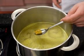 Zupa szczawiowa – krok 1