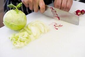 Zupa z kalarepy i rzodkiewek – krok 4